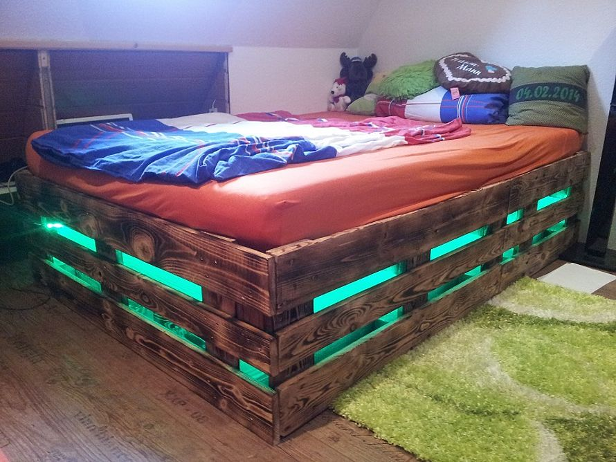 toom Kreativwerkstatt - Möbel aus Europaletten mit Beleuchtung