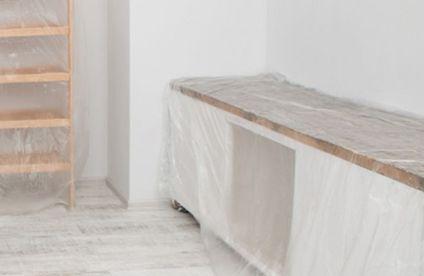 Holzdecke weiß lasieren