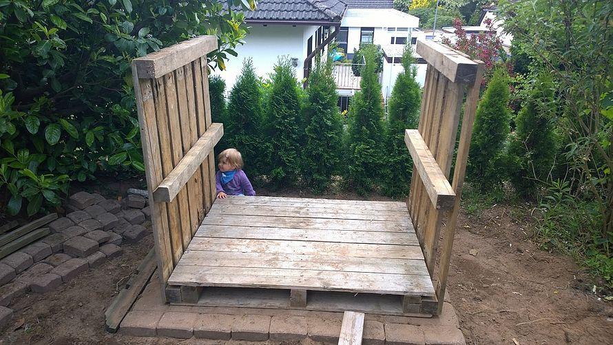 Toom Kreativwerkstatt Kinderspielhaus Aus Paletten
