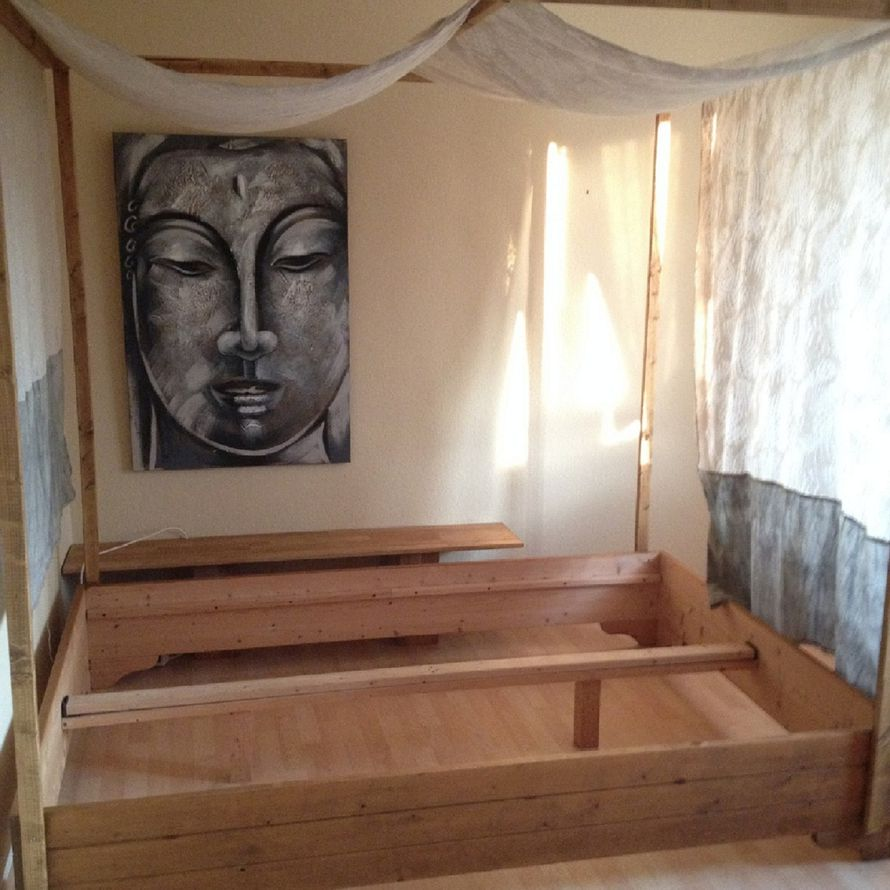 toom kreativwerkstatt lounge bett himmelbett. Black Bedroom Furniture Sets. Home Design Ideas