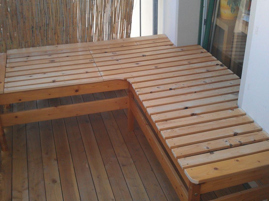toom kreativwerkstatt aus doppelstockbett wird eckbank. Black Bedroom Furniture Sets. Home Design Ideas