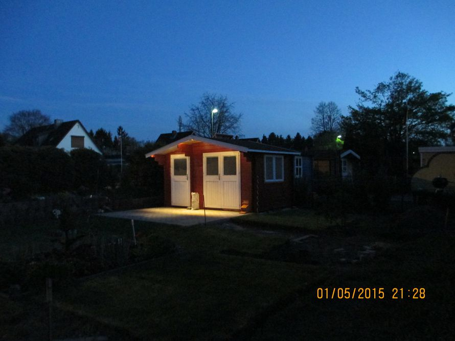 toom kreativwerkstatt solarbeleuchtung gartenhaus. Black Bedroom Furniture Sets. Home Design Ideas