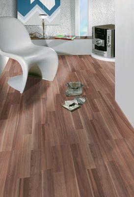 klassik laminatboden zwetschge toom baumarkt. Black Bedroom Furniture Sets. Home Design Ideas