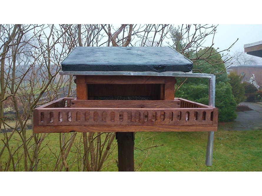 toom kreativwerkstatt vogelfutterhaus mit silo. Black Bedroom Furniture Sets. Home Design Ideas