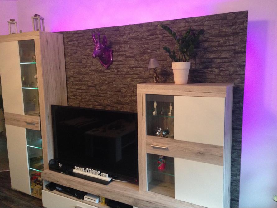 toom kreativwerkstatt gem tliche und praktische tv wand. Black Bedroom Furniture Sets. Home Design Ideas