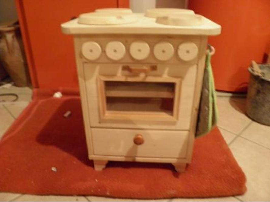 toom kreativwerkstatt kinderherd aus holz mit backofen. Black Bedroom Furniture Sets. Home Design Ideas