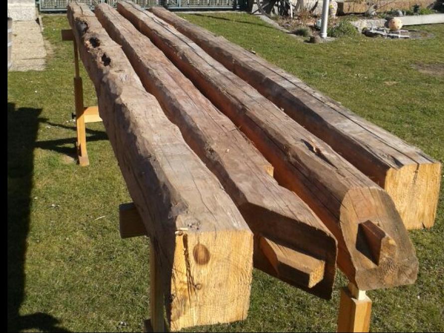 toom Kreativwerkstatt - Holzbalkenbett mit Nachtkästchen