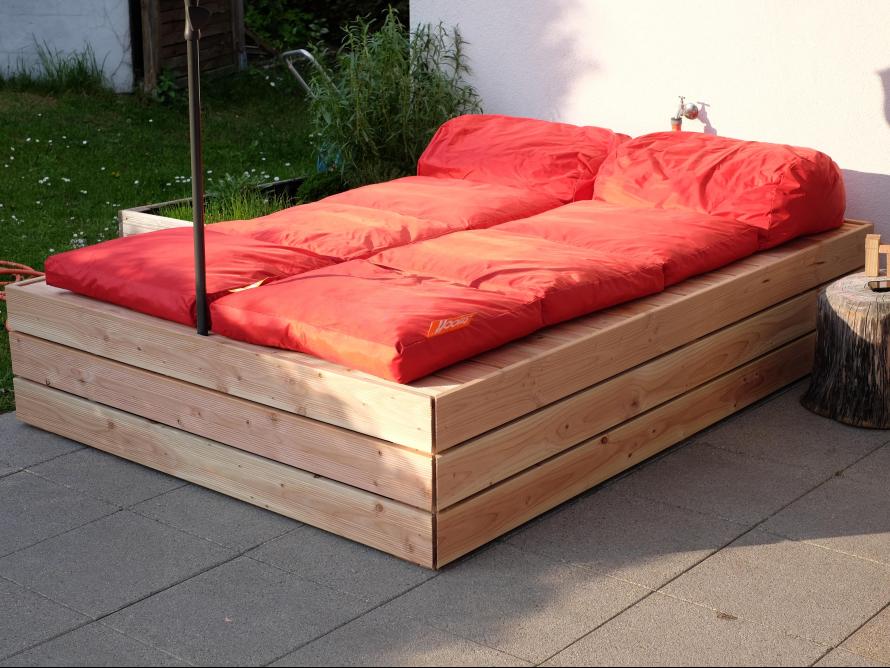 toom kreativwerkstatt lounge liege aus douglasie. Black Bedroom Furniture Sets. Home Design Ideas