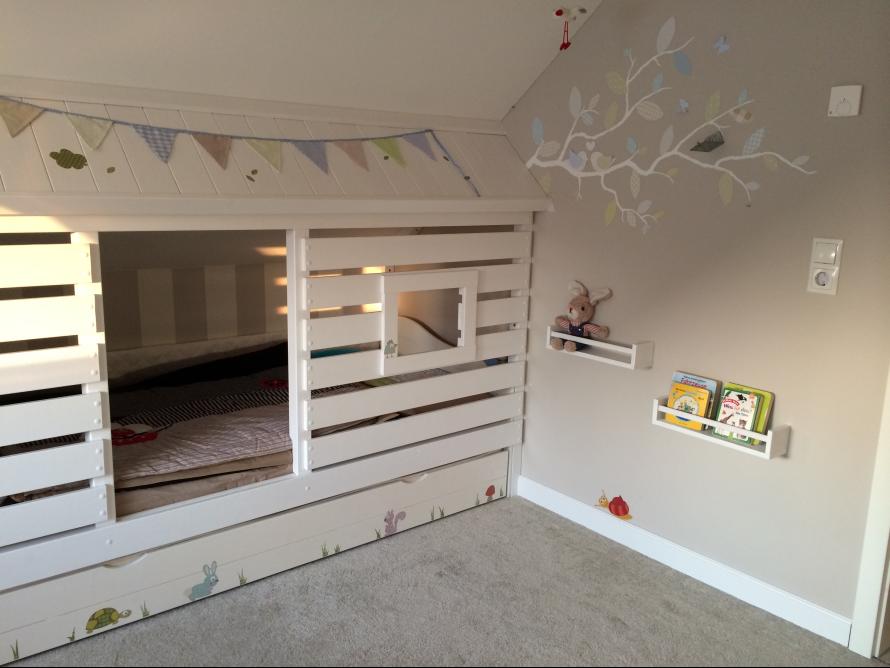 toom kreativwerkstatt traumhaftes h ttenbett. Black Bedroom Furniture Sets. Home Design Ideas