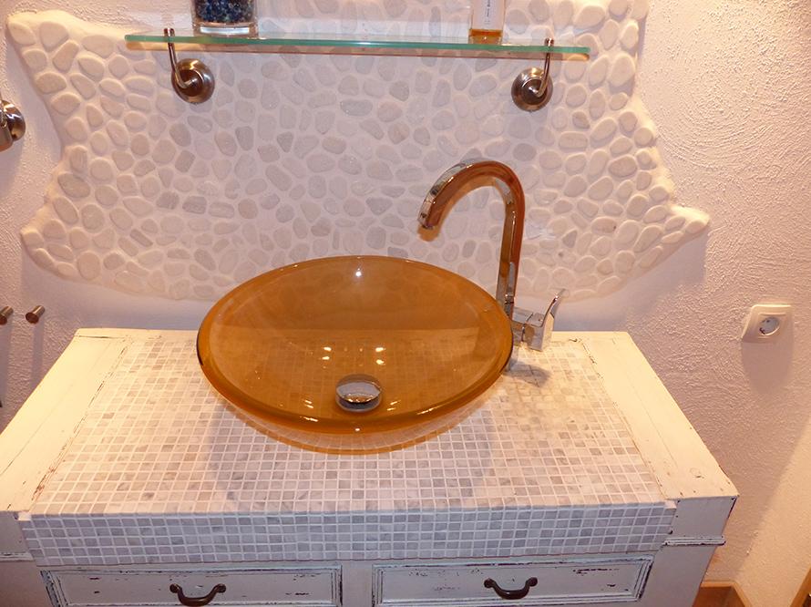 toom kreativwerkstatt waschtisch alt und neu. Black Bedroom Furniture Sets. Home Design Ideas