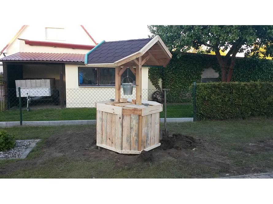 toom kreativwerkstatt deko brunnen mit pumpwerk. Black Bedroom Furniture Sets. Home Design Ideas