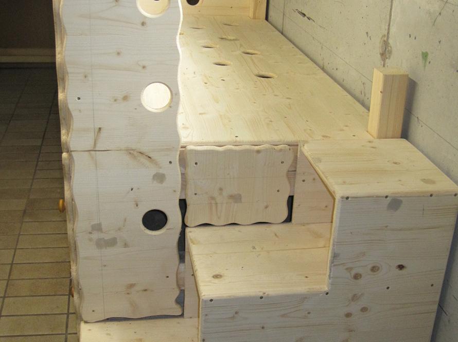 toom kreativwerkstatt hochbett in dachschr ge. Black Bedroom Furniture Sets. Home Design Ideas